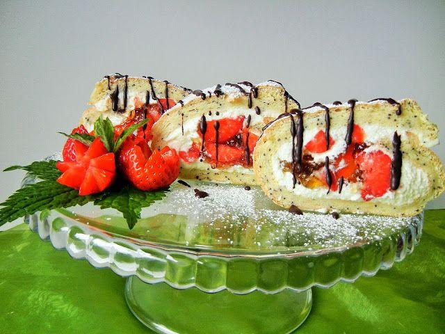 Kulinaria Uli: Rolada z truskawkami , bita smietana  i galaretka