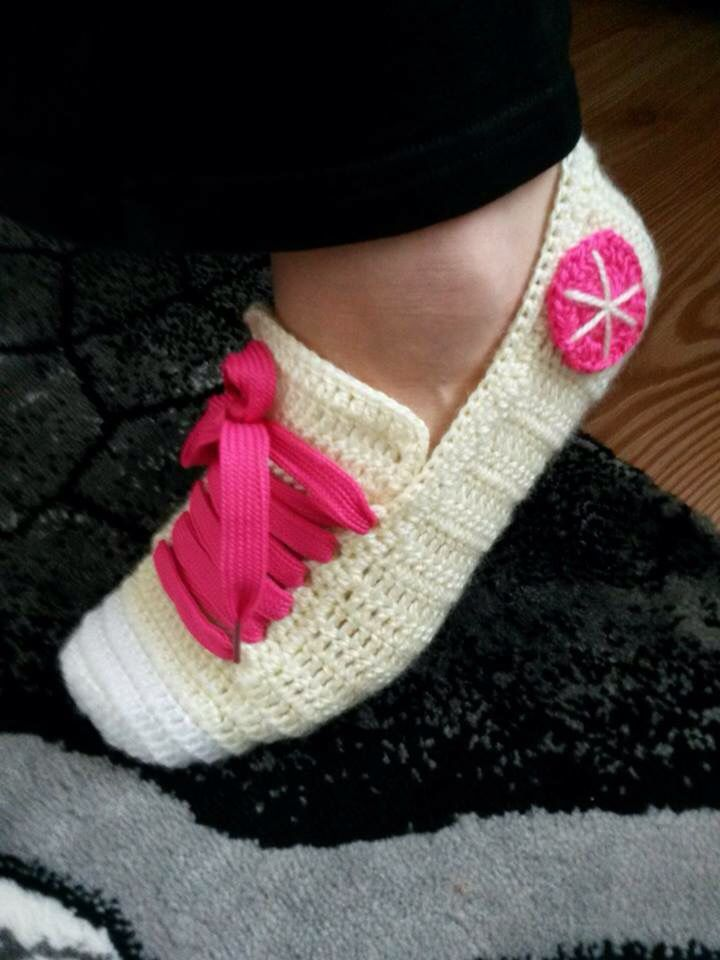 Knitting Pattern For Converse Socks : Pin by Moris Sadu on Zapatos Pinterest Crochet and ...