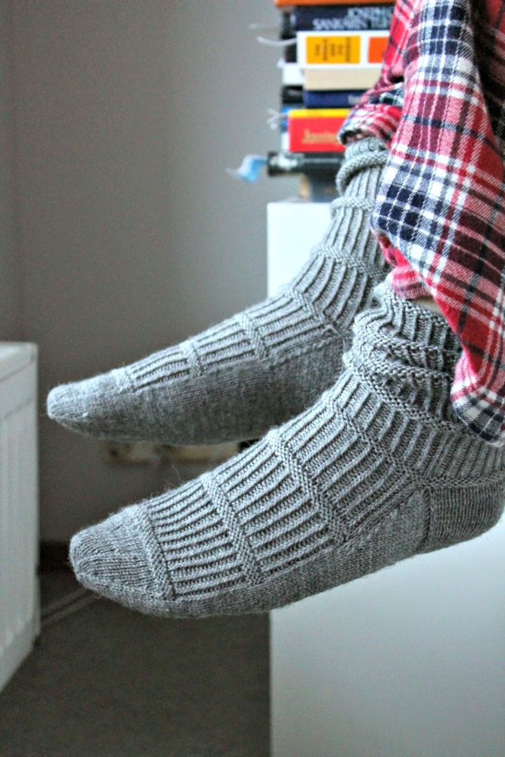 463 best socks socks images on pinterest knitting amigurumi nice pattern for a mans sock bankloansurffo Image collections