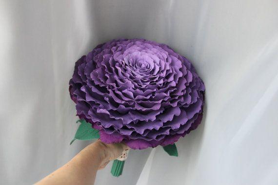 Фиолетовая гламелия бутоньерка в подарок от GingerJulyDesign