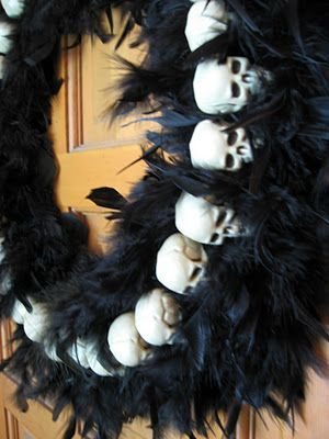 Feathers and Skulls Wreath: Black Boas, Pink Feathers, Awesome, Halloween Fun, Skull Wreaths, Fall Halloween, Flowers Wreaths, Halloween Wreaths, Halloween Feathers Wreaths