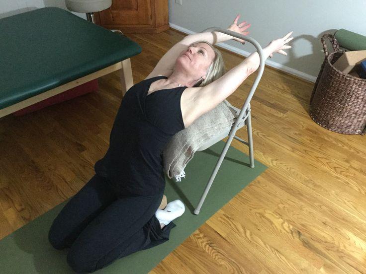 Les 192 meilleures images du tableau yoga props sur for Chaise yoga iyengar