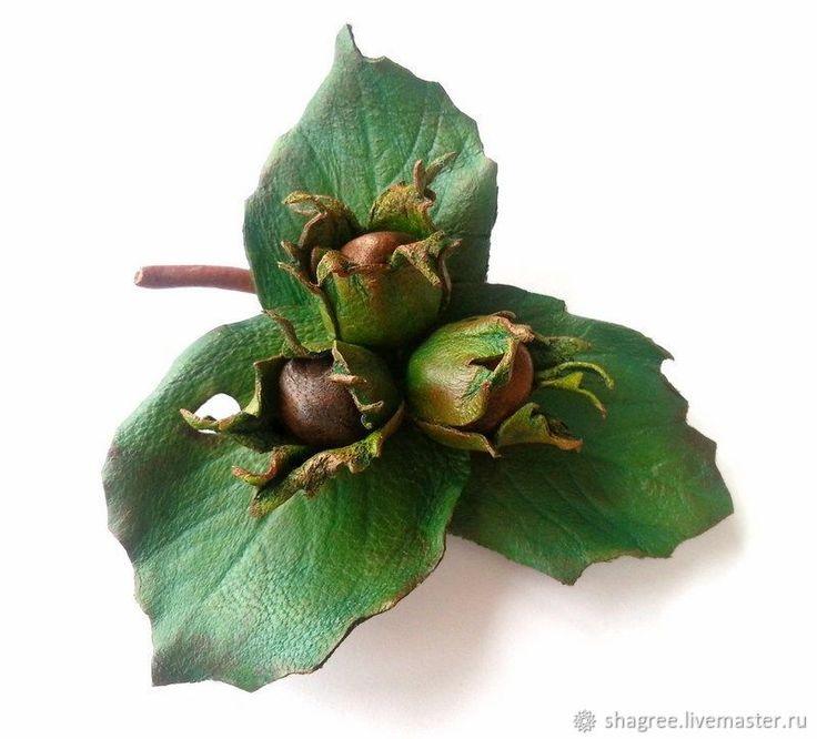 Купить Брошь из кожи Орешки - комбинированный, коричневый цвет, зеленый цвет, лещина, фундук