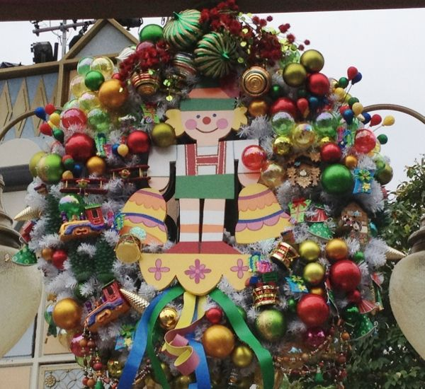 Disneyland Decorated For Christmas: 76 Best It's A Disney Christmas!! *o* Images On Pinterest