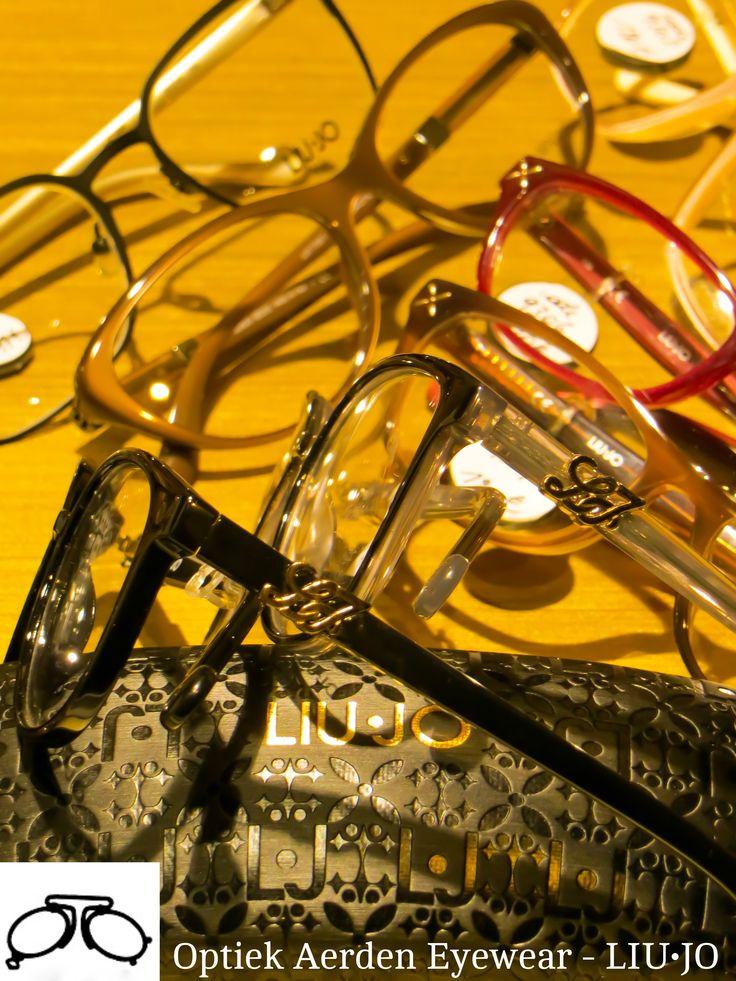 LIU•JO Verbetering van de natuurlijke schoonheid van de vrouw, interpreteren en exploiteren van vrouwelijkheid met een glamour maar toch een verfijning. LIU•JO tot de meest dynamische fashion merken op de wereldwijde markt. Gemaakt om uw bril een aangeboren glamour, de elegantie van het merk LIU•JO brengen. Bekijk een selectie van LIU•JO monturen en zonnebrillen bij Optiek Aerden.