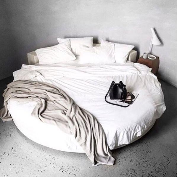 Le lit rond, on ose! | Moltodeco, le blog déco et design d'Emmanuelle Paris