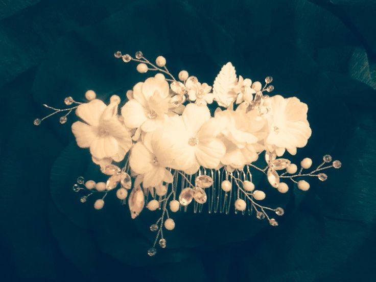 Handmade bridal hair comb Wedding accessories