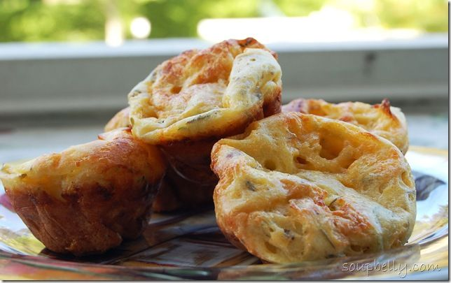 cheesy popovers... aw, yeahh
