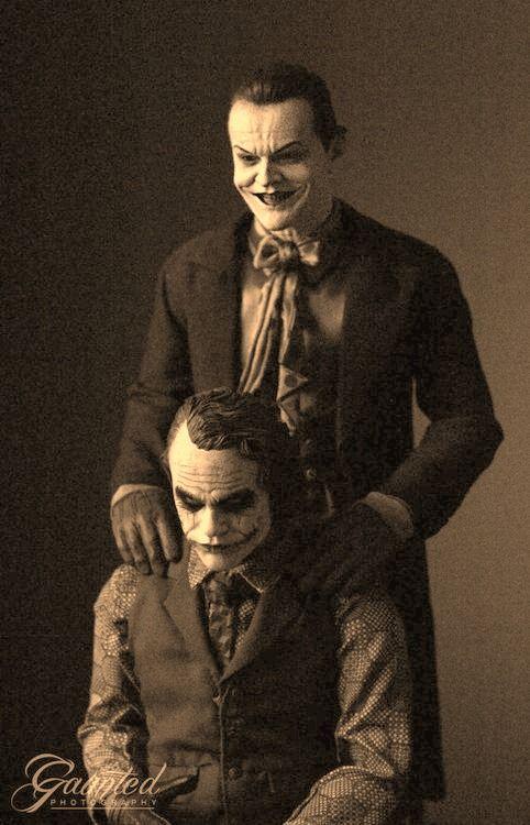 Há algo mais assustador do que esta imagem de Heath Ledger e Jack Nicholson como o Coringa juntos?