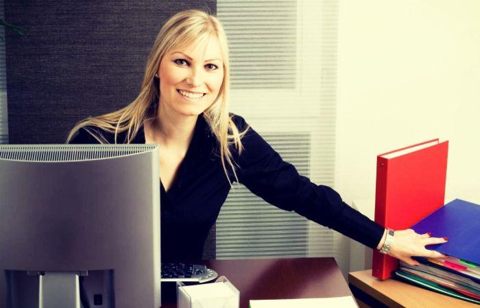 Fiche de Poste: Discription du métier assistant des ressources humaines Un assistant des ressources humaines fournit tout le soutien administratif au ....