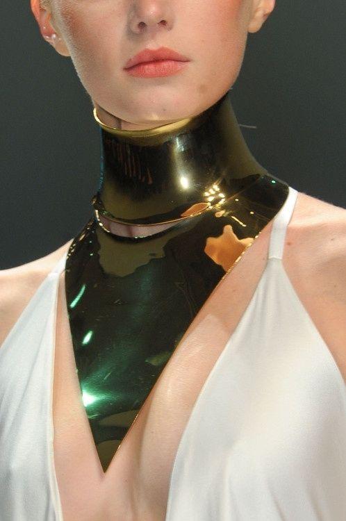 gold choker from Paul Lobel - pinned by RokStarroad.com ~ unleash your inner RokStar - fashion, pop and mental health