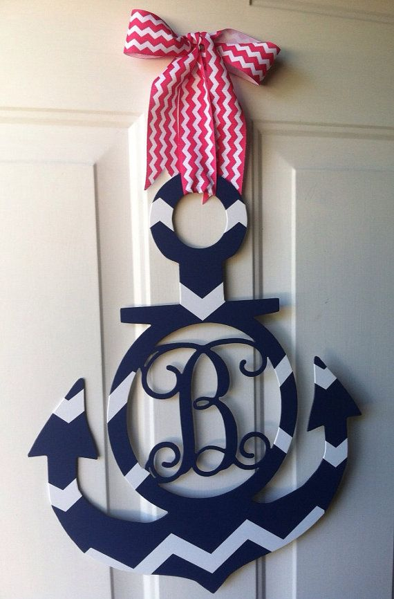 """Flip Flops and Polka Dots by Flipflopsandpolkadot on Etsy This wreath with """"M"""" for Christina"""