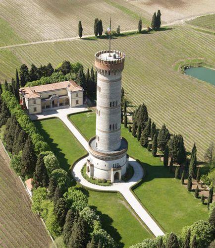 San Martino della Battaglia Tower. Torre di San Martino della Battaglia.