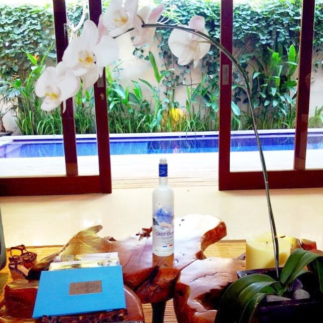 The Grove Villas & Spa Bali offers a difference ambience of luxury holiday in Bali.. Image by our guest @tyamihoo