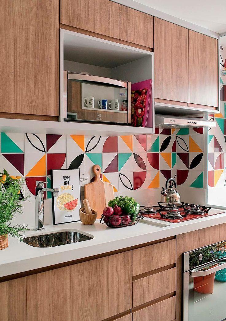 Cozinha maravilhosa. Cheia de vida e colorida ♥️