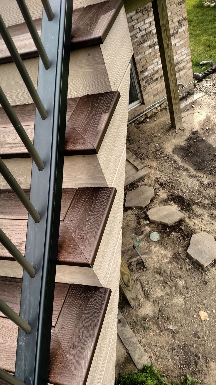 Pin About Deck Stairs And Deck Landscaping On Trex Deck 16