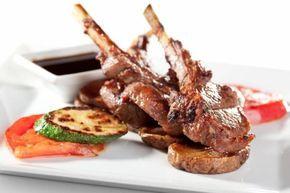 Costolette d'agnello con melanzane #Star #ricette #costolette #agnello #melanzane #food #recipes
