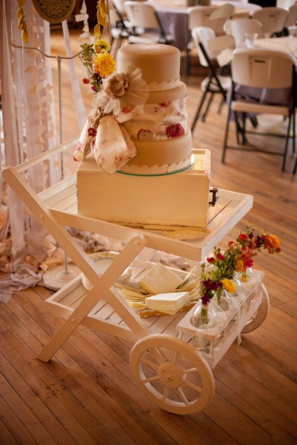 Pretty Wedding Cake Display #wedding