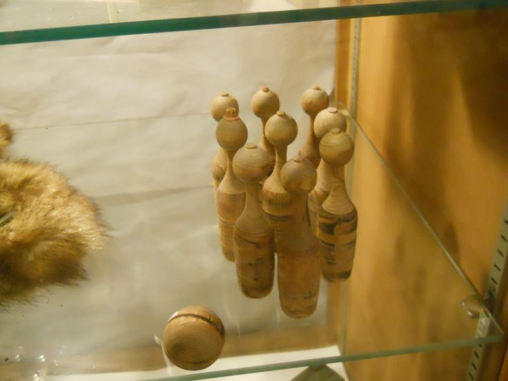 olden day wooden bowling set