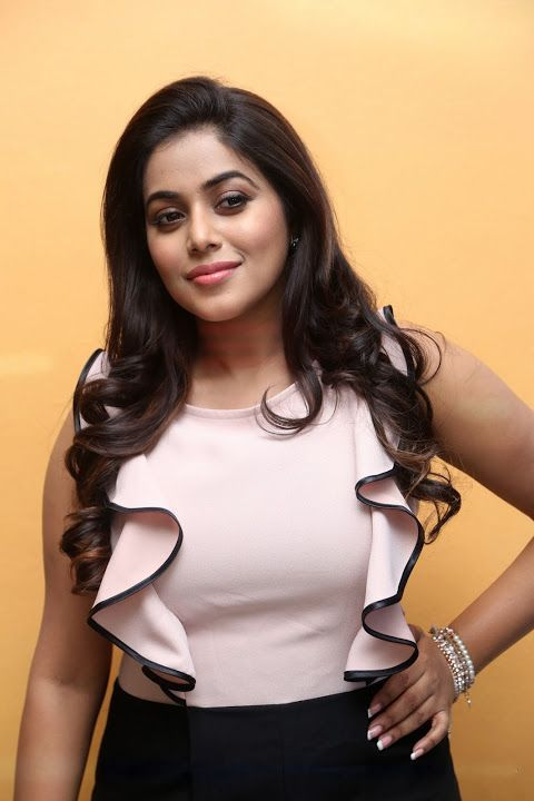 Shamna Kasim at Jayammu Nischayammu Raa success meet #shamnakasim #poorna #southindianactress #hotactress #tamilactress