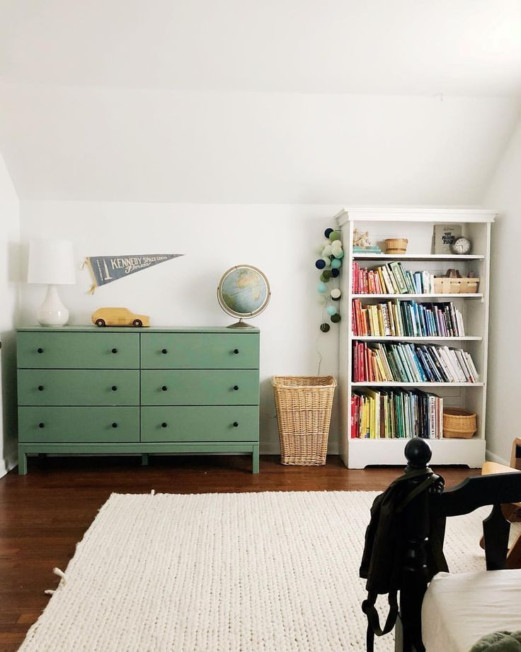 Dark green inspirations have become a successful trend for kids playrooms.  Find…