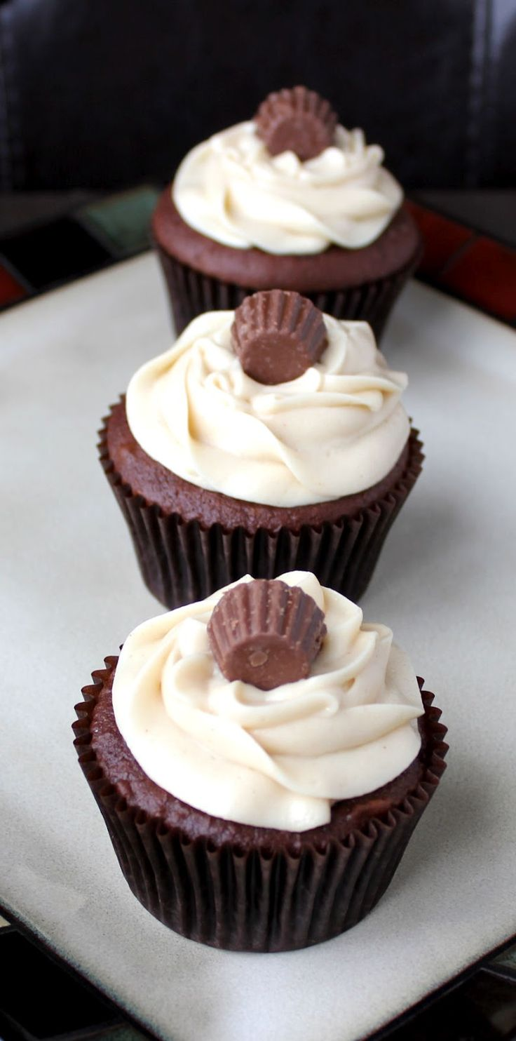 Chocolate Peanut Butter Cupcakes from @jamiecooksitup