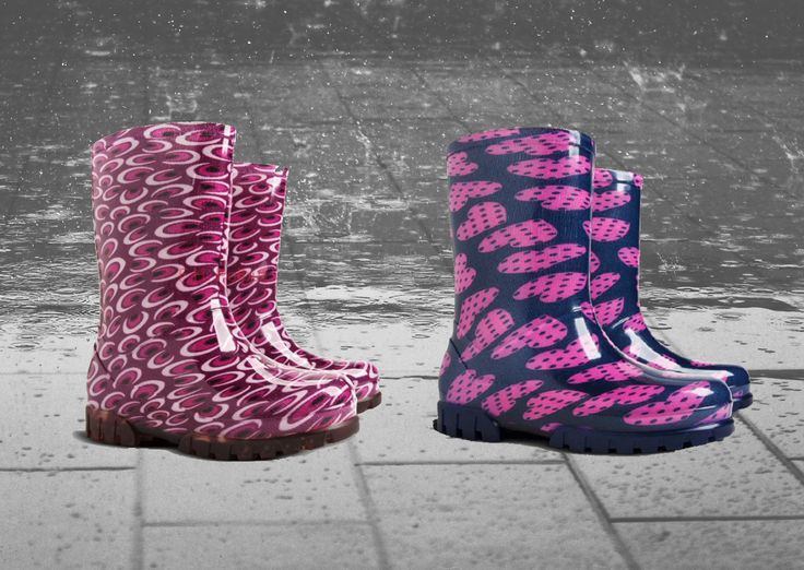 #Wellington #boots for kids with #pink color, special for #girls. Equipped with non-slip sole, good for use in #rainy day.