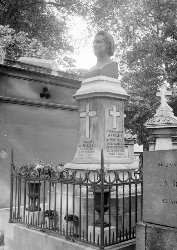 Buste de Balzac | Père Lachaise - Muséosphère