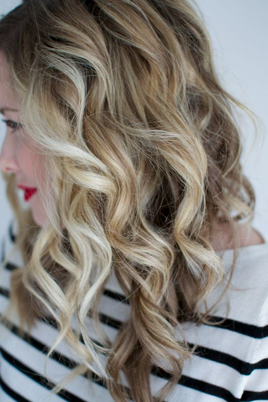 It's been awhile since I curled my hair with a 1 inch wand! I forgot how much fun it is to have bouncy ringlet curls! I typically wear my hair in really soft waves, so this was a fun change u…