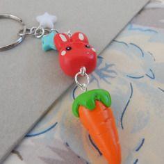 Porte-clés lapin et sa carotte