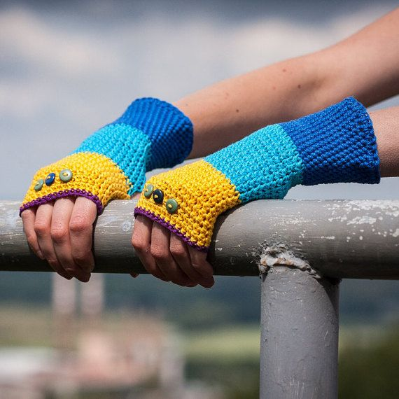 Blue Yellow Violet Fingerless Gloves / 100% Cotton by RUKAMIshop