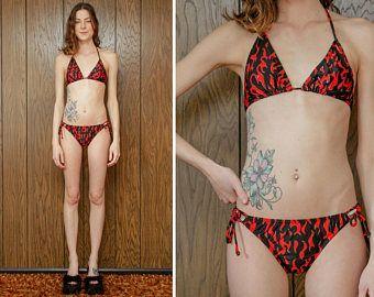 Vintage 90s rara diablo nuevo hilo Lame plata negro rojo triángulo superior llama fuego gráfico alta corte Hola pierna brasileña caliente Bikini traje de baño M L