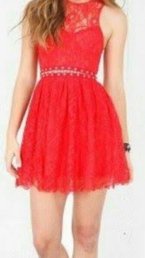Decidí por ponerme un vestido rojo ,sencillo