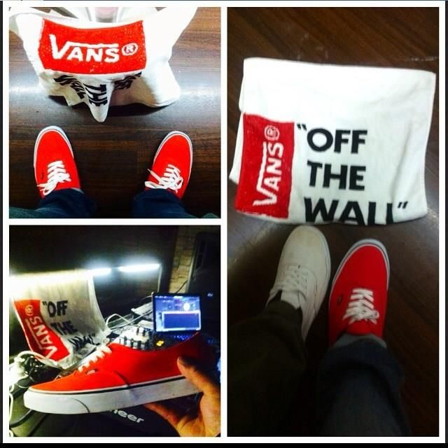 Here chillin' with Vans Shoe.