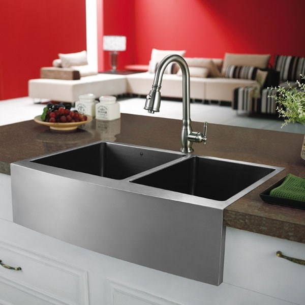 Vigo VGR3320BL Stainless Steel Farm Sink Installed In Kitchen