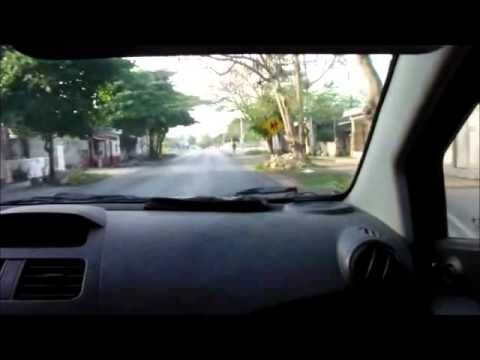 En este vídeo quise compartirles un autorretrato de mi recorrido hacia la escuela donde trabajo, un camino que forma parte de mis mañanas, desde ver un hermoso amanecer mientras conduzco, hasta llegar a trabajar con mis peques.