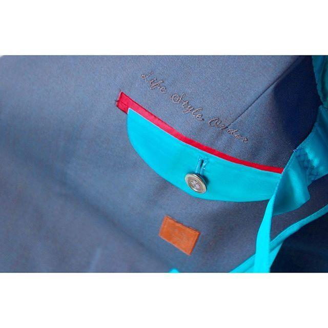 green callarless suit.  for women.      #lifestyleorder#meguro#ladiessuit#andc#instagood#photooftheday#ordersuit#fashion#ordermade#bespoke#suit#ootd#womens#converse#denim  #スナップ#レディーススーツ#スーツ女子#オーダースーツ#オーダーメイド#スーツ#目黒 #レディースファッション#デニムシャツ#オーダーメイド#コンバース