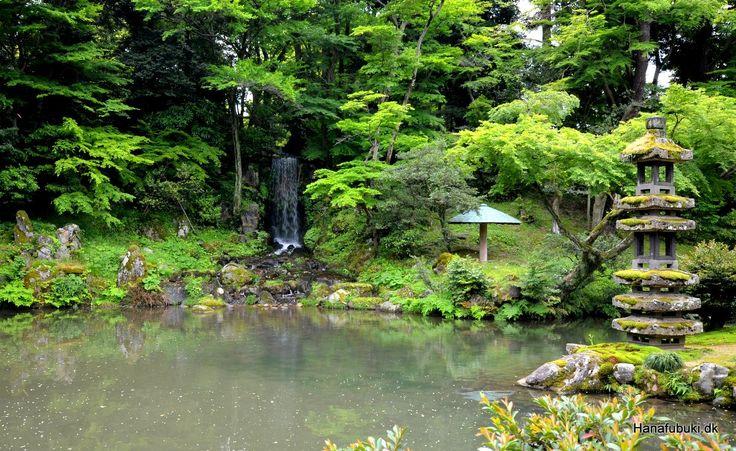 Kenrokuen, Hisaoike pond with waterfall from 1774, Kanazawa