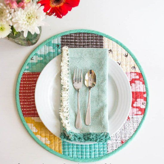 These Simple Quilted Placemats Are Perfect For Sprucing Up Your Spring  Tablescape!