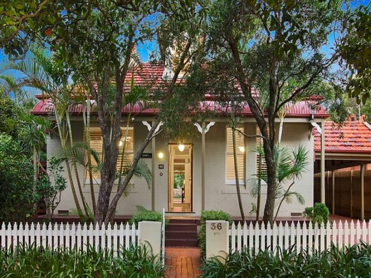 Cottage with bullnose verandah at front