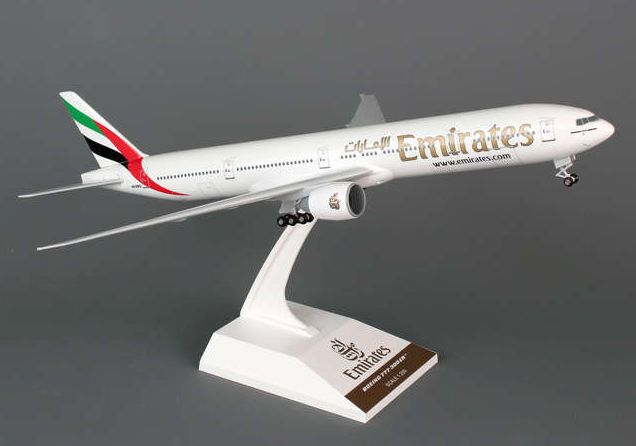 Skymarks Emirates Airline Boeing 777-300ER 1/200 Plastic Model