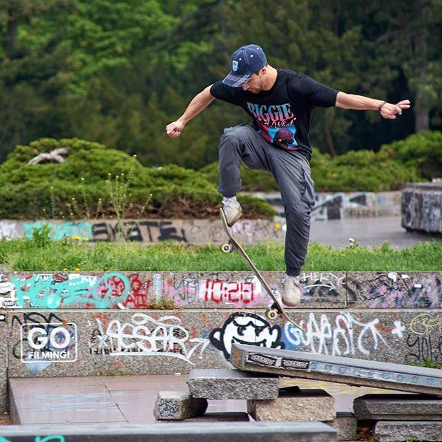 Skateboarders Having Fun At Letna Hill In Prague With Wempsikk Skateboarding Skate Skateboard Skatelife Skateboardingisfun Skateboard Fun Skate Park
