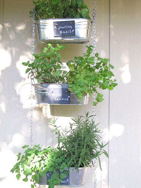 Creative DIY herb gardens: Gardens Ideas, Diy Hanging, Diy Herbs, Garden Ideas, Diy'S, Minis Gardens, Hanging Herbs Gardens, Hanging Herb Gardens, Small Gardens