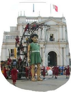 Autre figure de La Petite Géante ( Troupe Royal de Luxe ) Nantes, France