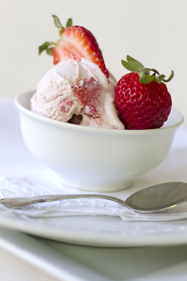 Roasted Strawberry Ice Cream