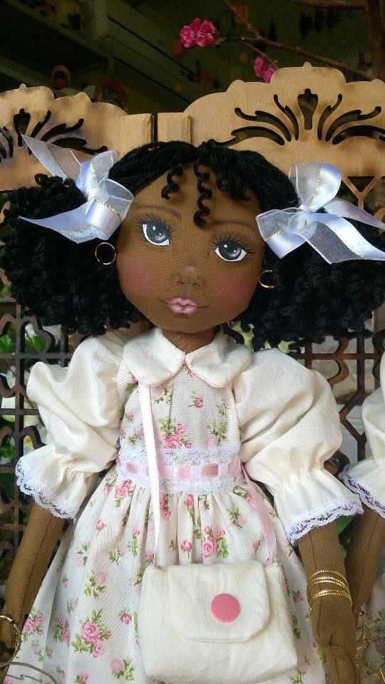 Bonecas negras de pano. Soraia Flores