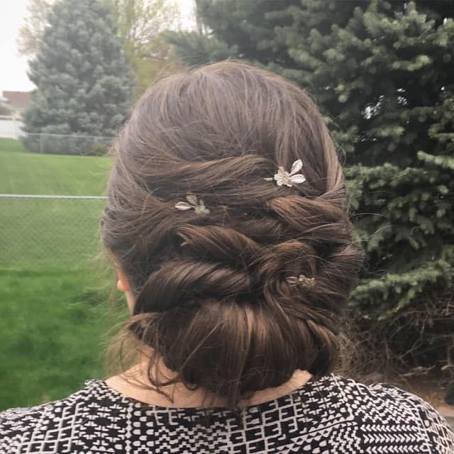 Vintage updo with beautiful bobby pins