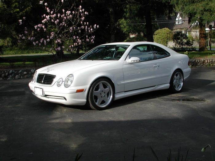 Mercedes-Benz CLK 320 Coupe My favorite car! Wish you were still being made.