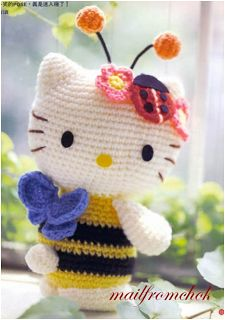 """Hello Kitty - Abejita  Amigurumi ~ Patrón Gratis en Español - Versión en PDF ( click donde pone """"HKabeja.pdf"""" en letras  azules para descargar el patrón) aquí: http://amigurumies.blogspot.com.es/2012/08/hello-kitty-abejita.html"""