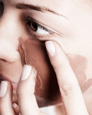 The Miracle Mask This DIY mask, made of nutmeg, honey, and cinnamon,